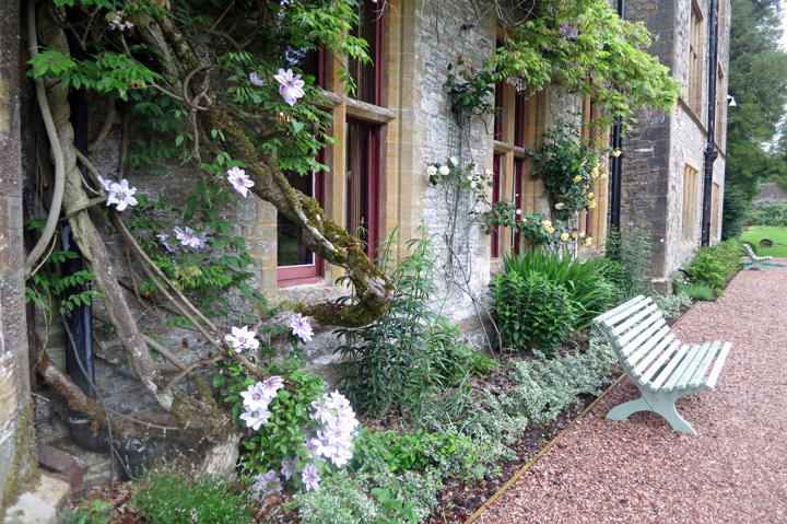 country house hire - flowers