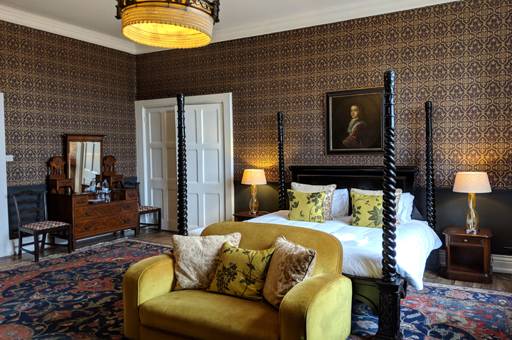 Huntsham Court - Yyanis bedroom - 720 - MVIMG_20190131_113333A