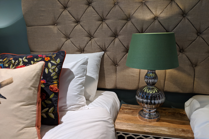 huntsham court - Talia bedroom - web 720 -MVIMG_20190211_165414A