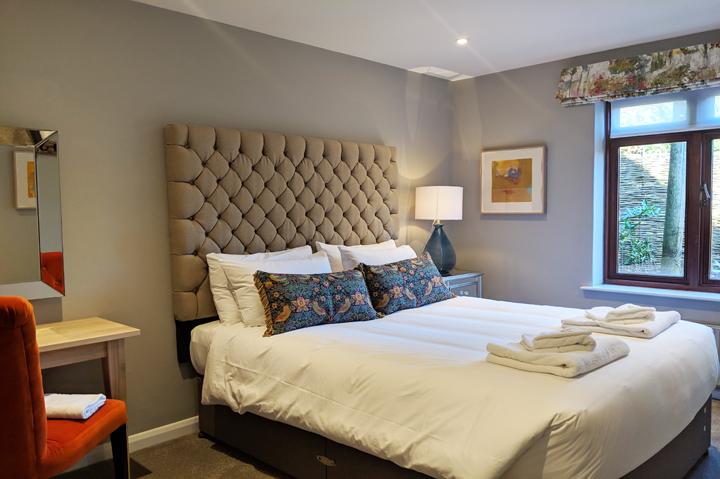 huntsham court - little lodge - reubs bedroom - 720 - IMG_20190225_131101A