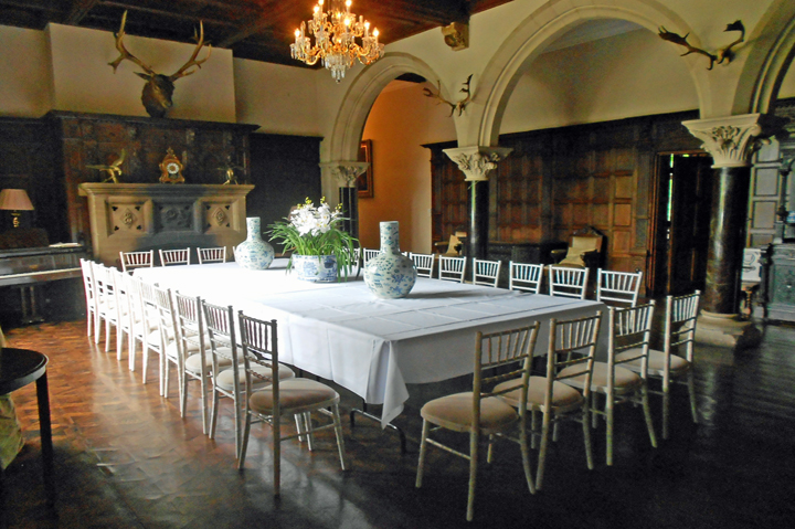 banquet halls near me - huntsham_court_great_hall_dining
