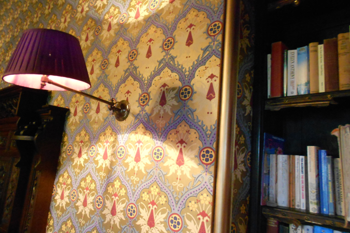country-house-library-wallpaper-huntsham-court
