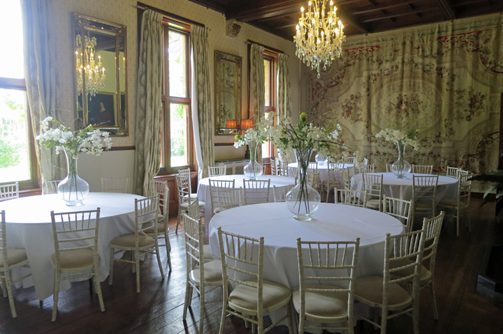 huntsham-court-dining-5-round-tables-diamond-room-c2_edited-1
