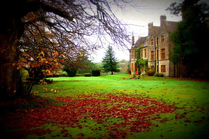 huntsham_court_autumn_fall
