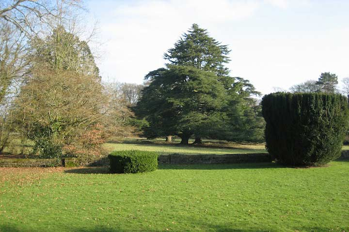 huntsham_court_country_house_gardens