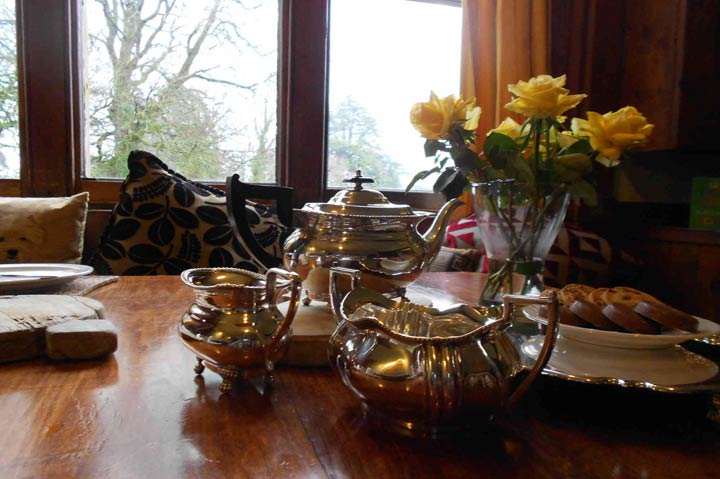 huntsham_court_country_house_teatime