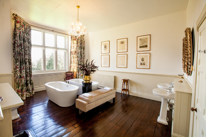 huntsham_court_douglas_bathroom_g