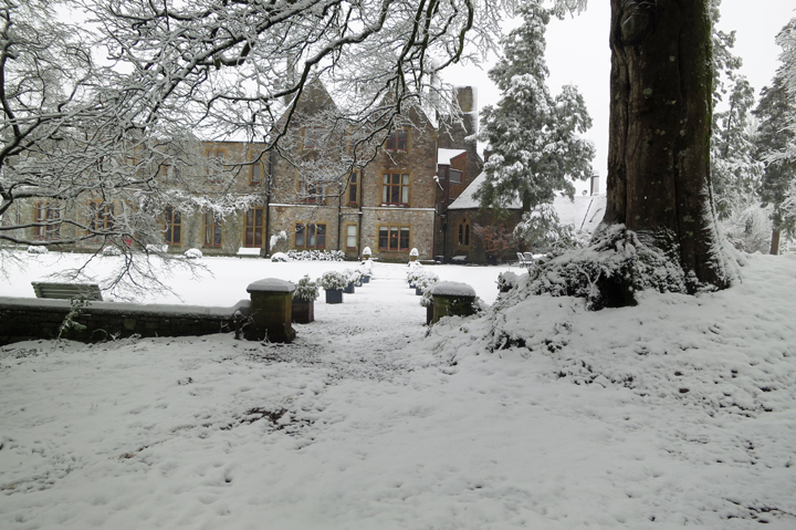 huntsham_court_snow_k